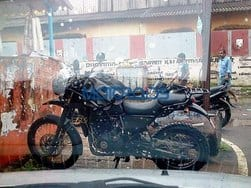 Royal Enfield Himalayan spotted again, might launch in January 2016
