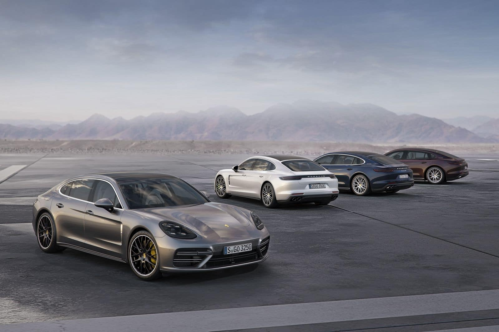 Porsche Panamera model-line up increased