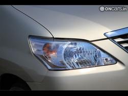 Toyota Innova 2016 Caught testing (Video): debuts at 2016 Delhi Motor Show