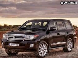2012 Toyota Land Cruiser LC200 unveiled at the Auto Expo
