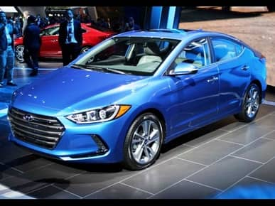 2016 Hyundai Elantra launched in India: Price starts at INR 12.99 lakh