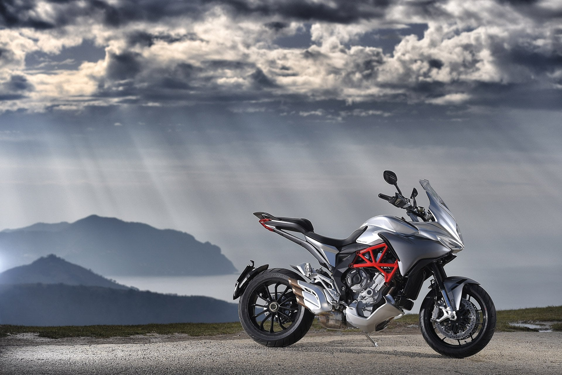 Mv agusta turismo veloce brutale dragster india launch soon