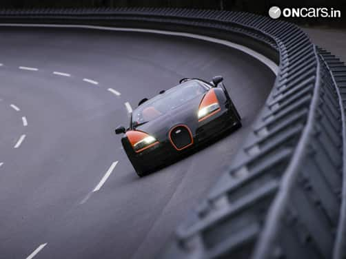 Bugatti Veyron Grand Sport Vitesse sets world record for fastest convertible