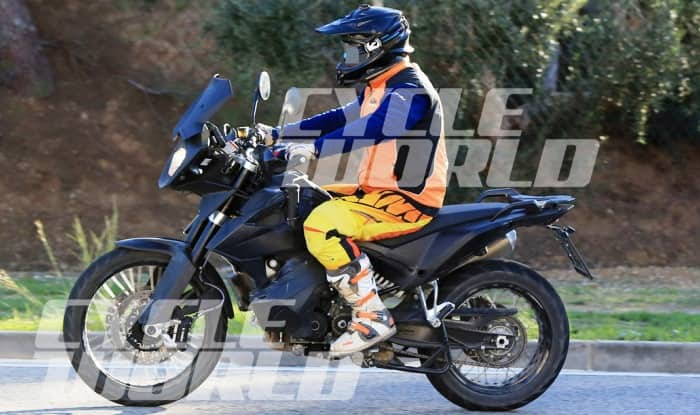 http://s3.india.com/auto/wp-content/uploads/2016/12/KTM-790-Adventure-Spy-Shots-Cycle-World-003.jpg