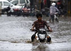 Top 5 Safe Riding Tips for Monsoon