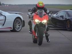 Drag race between Ducati 1199 Superlegerra, McLaren P1 and Porsche 918 Spyder