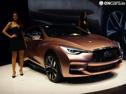 Ladies at the 2013 Frankfurt Motor Show – Image Gallery