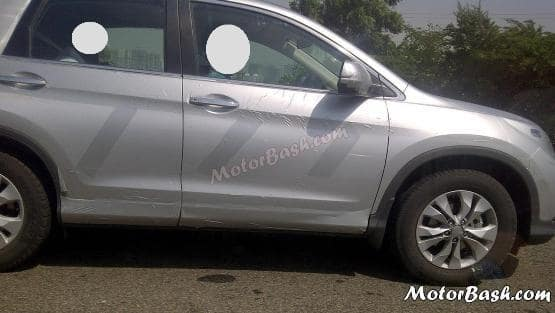 Fourth-generation Honda CRV caught on test in India