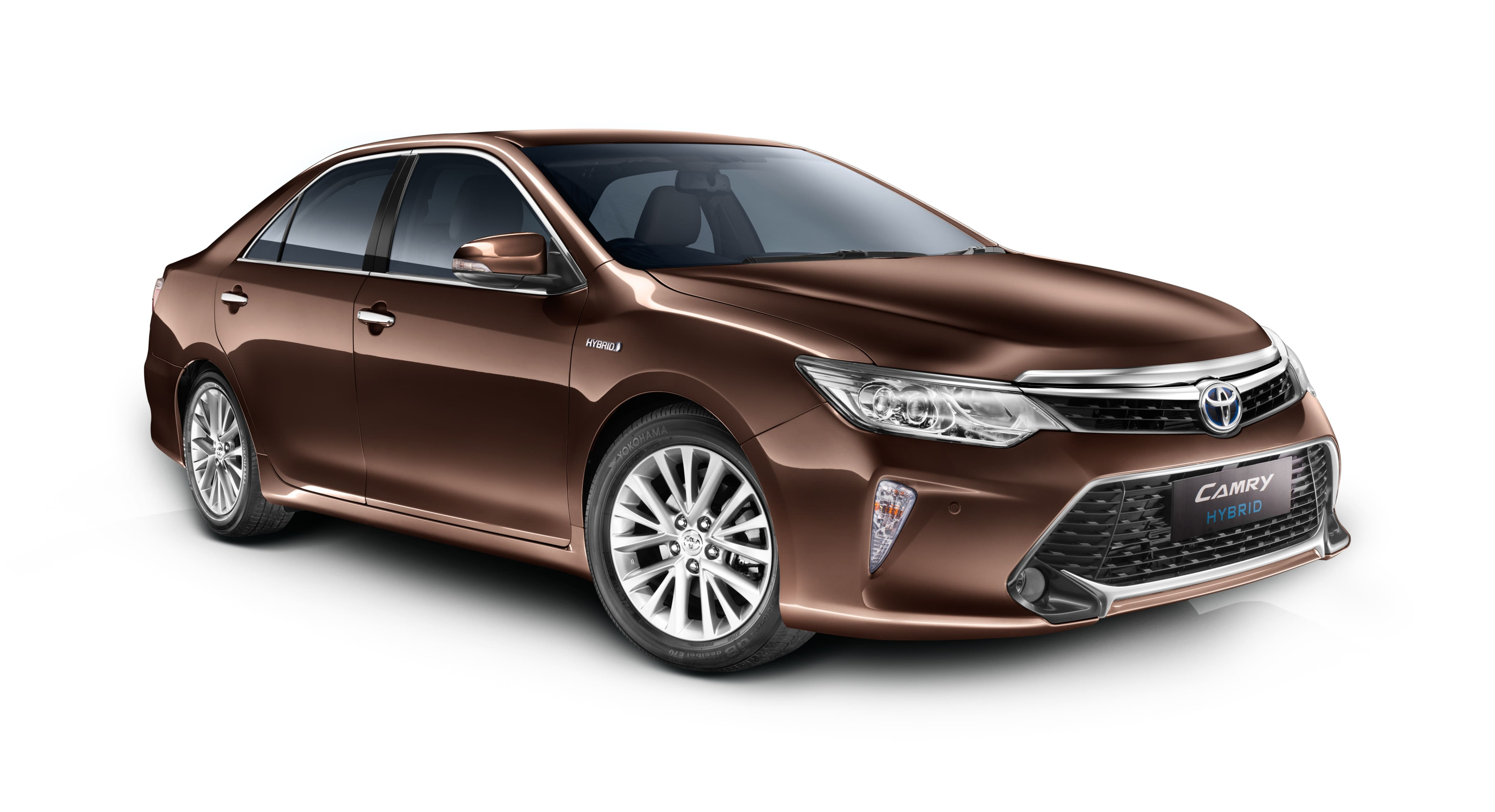 2017 Toyota Camry Hybrid updated: launched at INR 31.98 lakhs