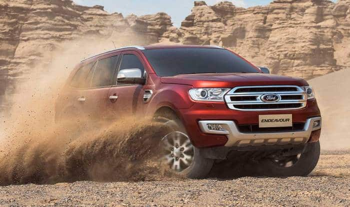 Ford Endeavour wins best premium mid-size SUV 2016 at India.com Auto Awards