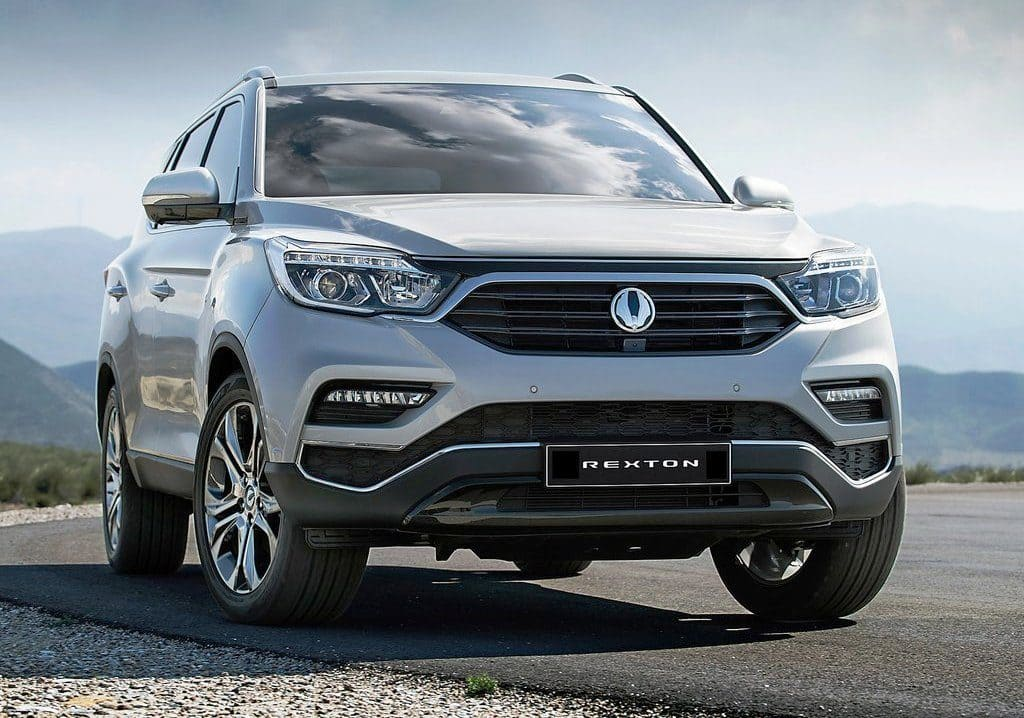 2017 mahindra ssangyong rexton breaks cover at seoul motor show 8 key facts to know find new. Black Bedroom Furniture Sets. Home Design Ideas