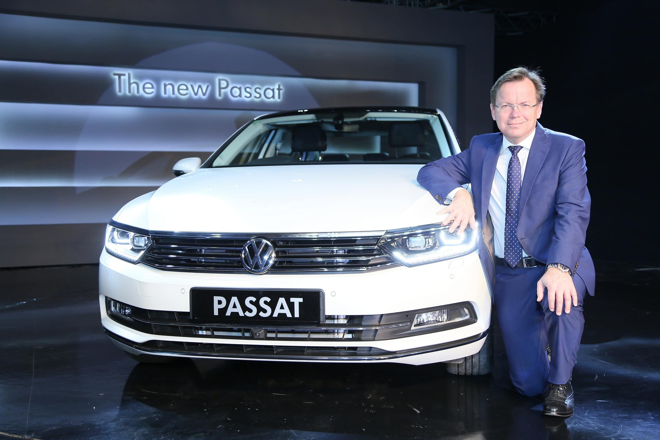 New Volkswagen Passat 2017 Launched; Price in India starts at INR 29.99 Lakh