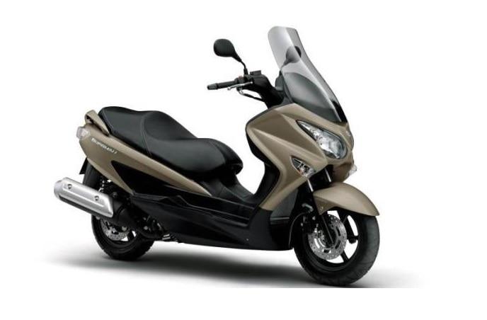suzuki burgman street premium scooter spied ahead of auto expo 2018 debut price in india. Black Bedroom Furniture Sets. Home Design Ideas
