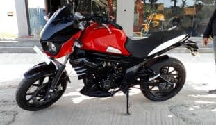 Mahindra Mojo UT300 Spotted at Dealership Ahead of India Launch; Bookings Open