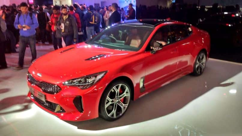 auto expo 2018 new kia stinger break covers launch date price in india specs features. Black Bedroom Furniture Sets. Home Design Ideas