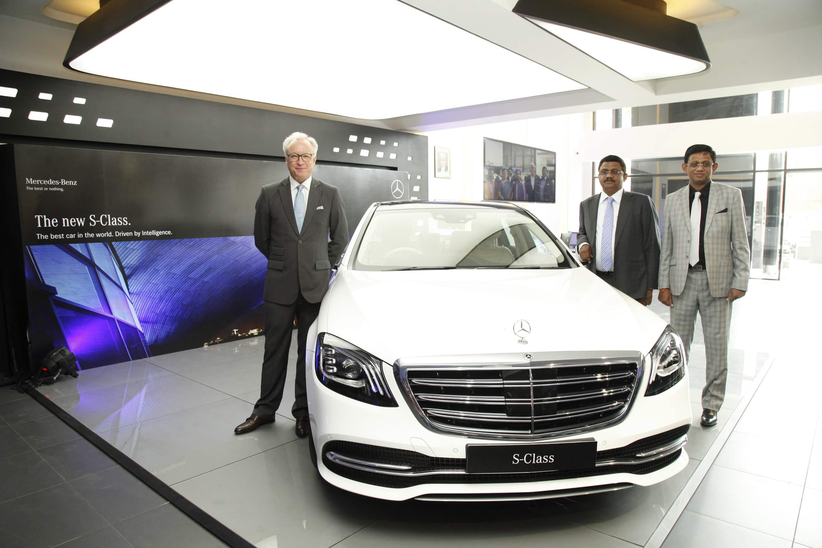 mercedes benz opens a new luxury dealership in thiruvananthapuram find new upcoming cars. Black Bedroom Furniture Sets. Home Design Ideas