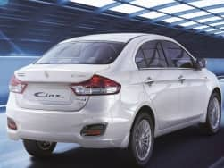 Maruti Ciaz SHVS Smart Hybrid features huge discount