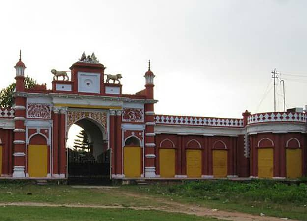Best places to visit near kolkata on gandhi jayanti 2017 for Architecture design for home in odisha
