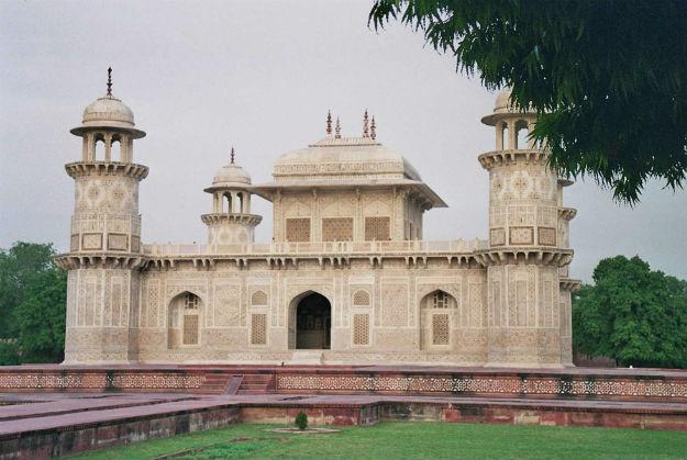 Tomb-of-Itimad-ud-Daulah