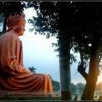 Swami_Vivekanada's_Statue_at_Vivekanand_Sarovar