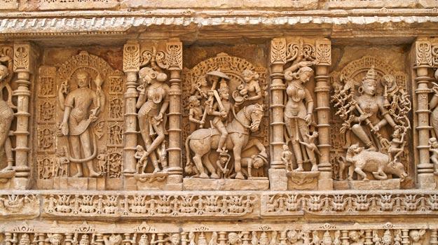 Wall-carvings-at-Rani-ki-Vav