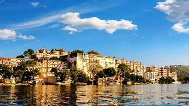 Best places to visit in december in india for honeymoon for Travel destinations in december
