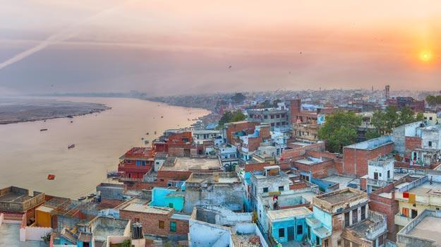 Varanasi_A-view-of-Varanasi-and-ganga-river