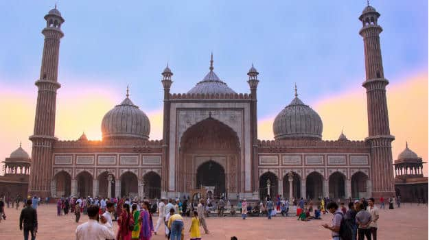 travel explore famous mosques india