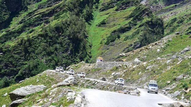 la mountain passes india