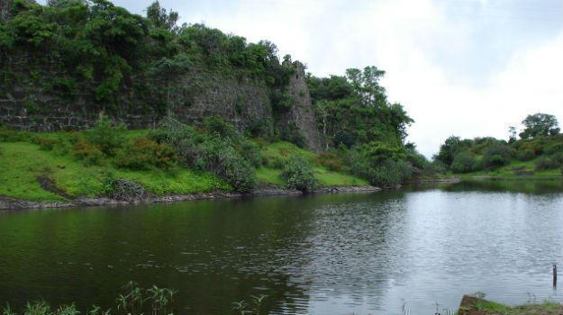 chikhaldara-lake dne