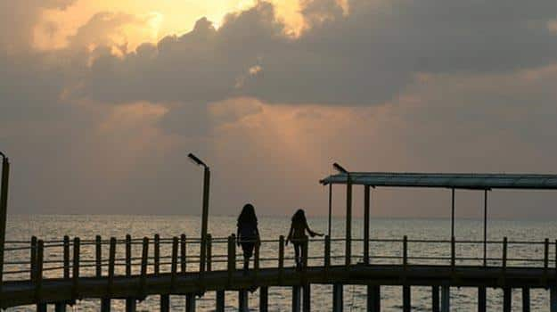 sunset-by-the-pier-at