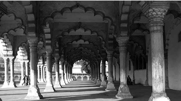 Arches-at-Agra-fort