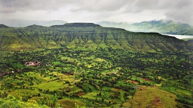 Mumbai-monsoon-getaway