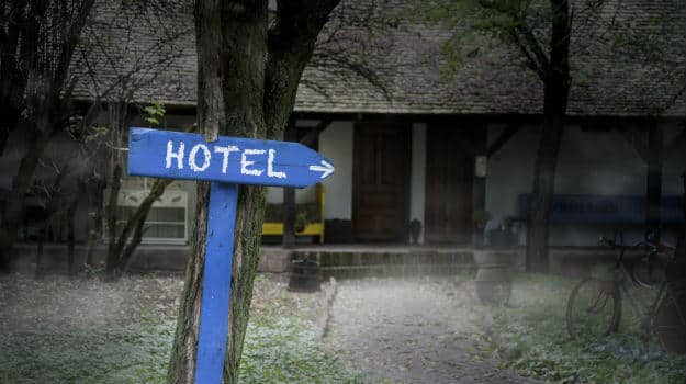 10 most haunted hotels in the world you shouldn 39 t spend a for 10 most haunted hotels in the world