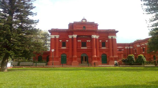 11travel-GovernmentMuseum-Banglore