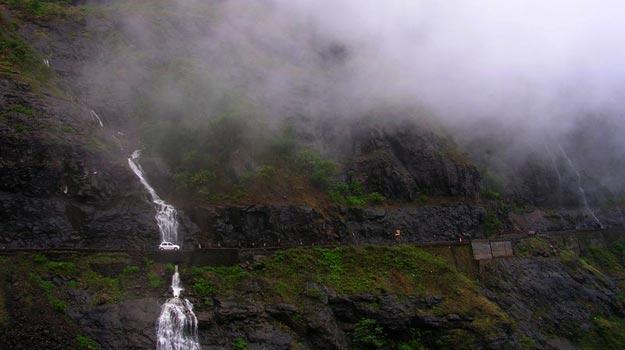Malshej-Ghat-monsoon2