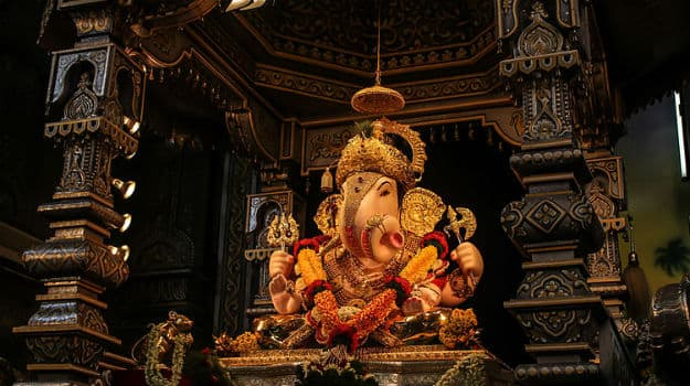 Ganesh Chaturthi 2017: 5 Interesting Facts about Dagdusheth Halwai Ganpati Temple in Pune