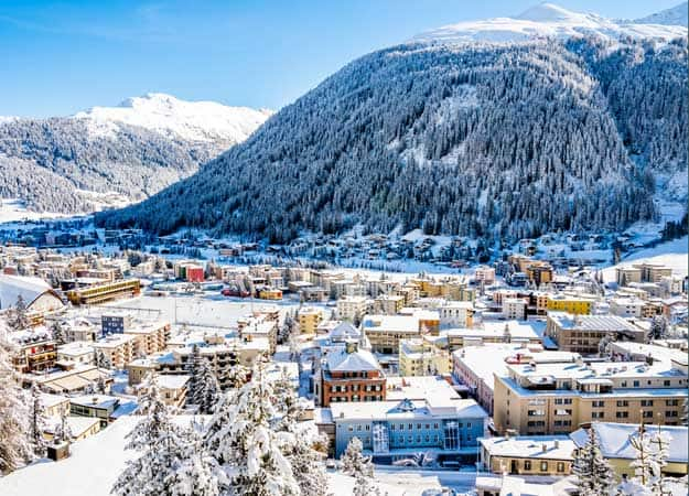 21Switzerland-Davos-ice-skating-winter-resort