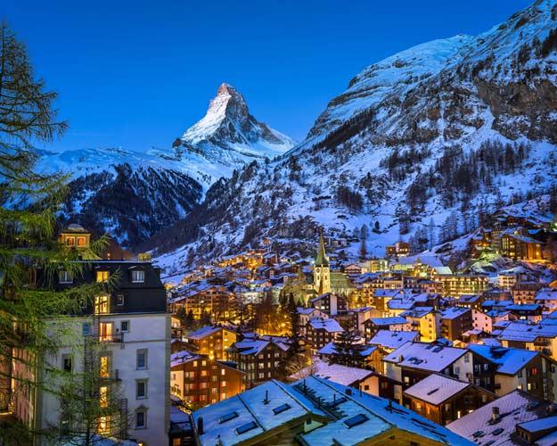 21Switzerland-Zermatt-valley-and-matterhorn-peak