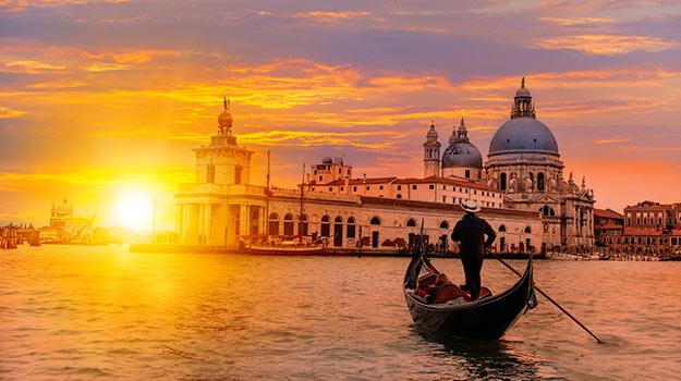6Romantic-Venice-shutterstock_275174153 (1)