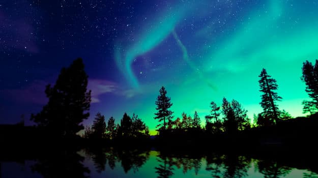 9travel-aurora-abisco-finland
