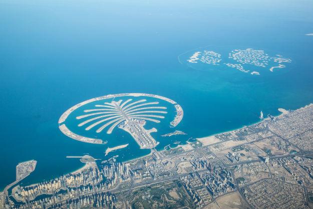 Dubai-coastline-aerial-view-shutterstock_365501231