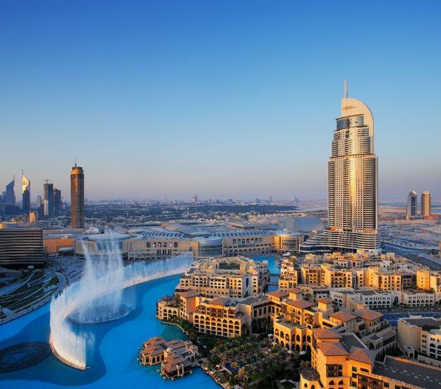 Dubai-fountain-Burj-Khalifa-lake