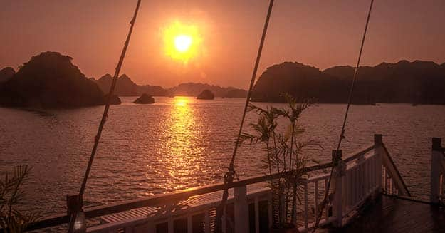 Sunset-in-Halong-Bay