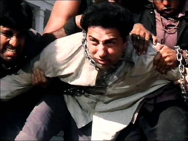 04varanasi-films-ghaatak