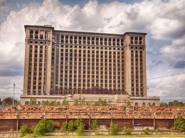 12abandoned-michigan-central-station