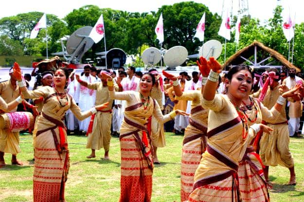 Rongali Bihu Dance, Photograph courtesy: Wikimedia Commons