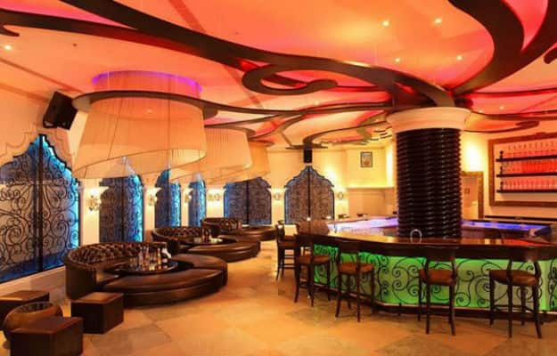 2-travel-pune-jue-bar