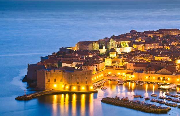Croatia-Dubrovnik-by-night-shutterstock_111548789