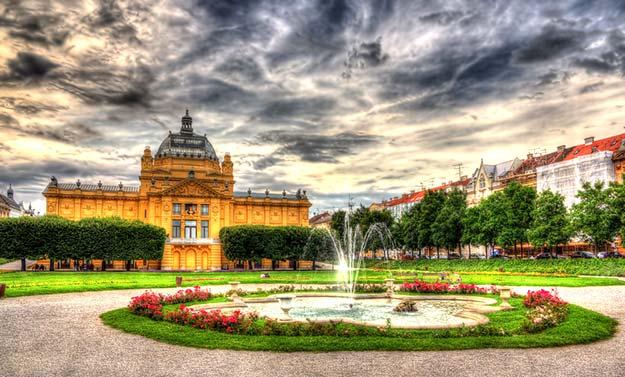 Crotia-King-Tomislav-Square-in-Zagreb